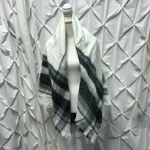 Zara Black White Colorblock Blanket Scarf Wrap